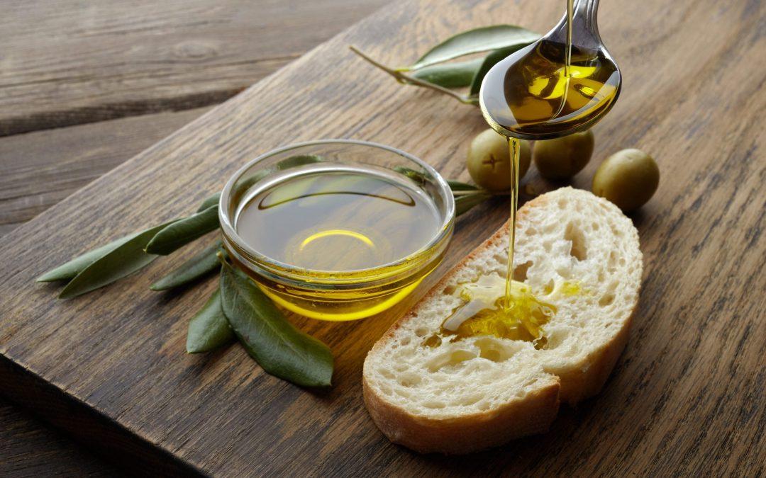 Perché l'olio extra vergine di oliva è migliore di altri oli alimentari?